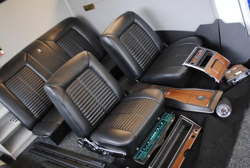 HK GTS Monaro Interior